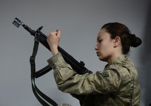 En Güzel Kadın Askerler galerisi resim 12