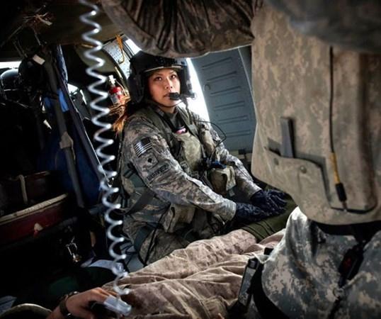 En Güzel Kadın Askerler galerisi resim 5