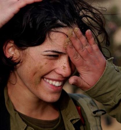En Güzel Kadın Askerler galerisi resim 9