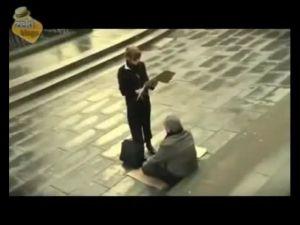 Görme Engelli Dilenci Adam ve Zeki Kadın - Kelimeleri Değiştir!